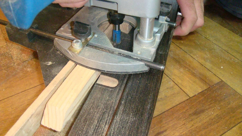 как вырезать петли фрезером